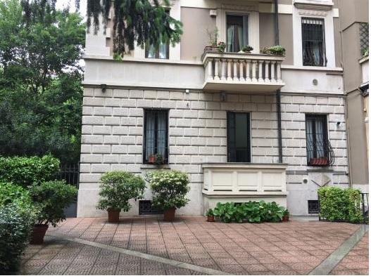 Appartamento- Milano Zona V.le Romagana